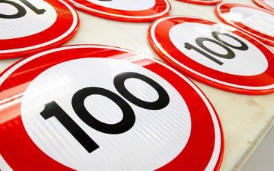 100 km/h; de technische gevolgen